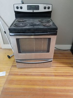 Kenmore electric range for Sale in Middletown, RI