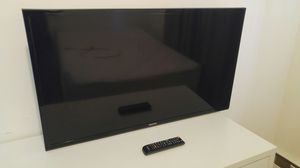 "Samsung 40"" 1080p TV with Wall-Mount Bracket for Sale in Queens, NY"