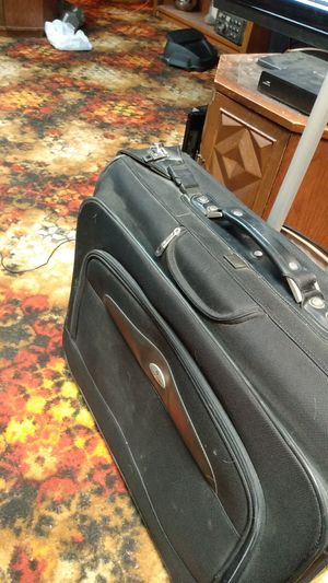 Samsonite carry on luggage for Sale in Kennewick, WA