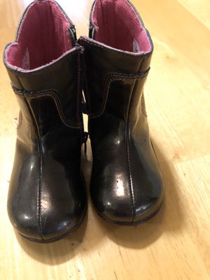 Stride Rite girl toddler boots size 5.5 zip code: 77035 for Sale in Houston, TX