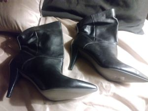 Michael kors anckle boots 7.5 for Sale in Derby, KS