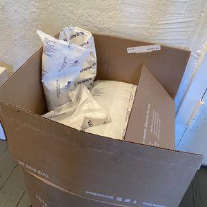 Free - Freezer Gel Packs for Sale in Los Angeles, CA