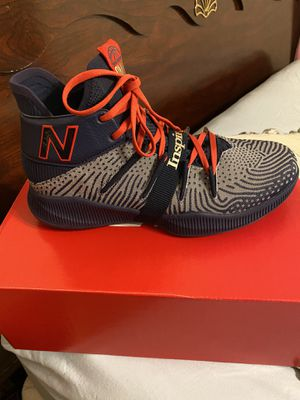 Men's new balance k Leonard basketball shoe size 9.5 worn once with box for Sale in San Antonio, TX