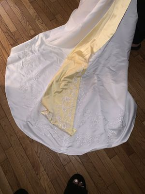 Wedding dress size 10 $320 or best offer for Sale in Philadelphia, PA