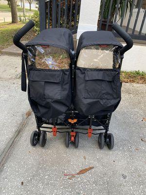 Maclaren twins stroller for Sale in Orlando, FL