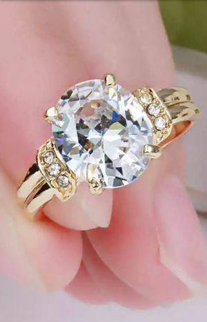 Brand new womens 18KT Gold genuine White Sapphire Engagement Wedding Promise or Everyday ring for Sale in New Port Richey, FL