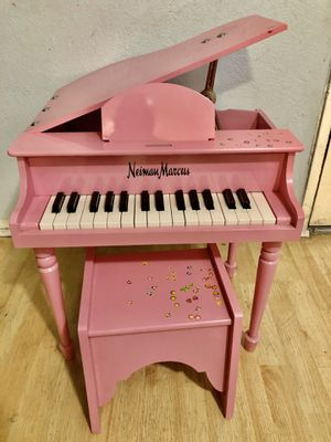 Baby Neiman Marcus piano for Sale in Los Angeles, CA
