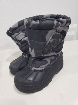 Snow boots kids size 11 for Sale in Federal Way, WA