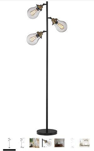 FLOOR LAMP for Sale in Muscoy, CA