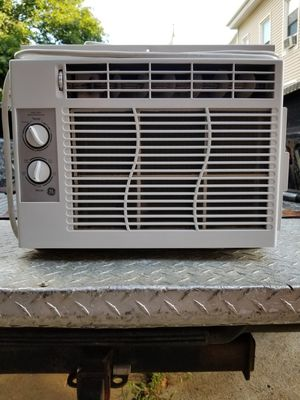 GE 5,050 btu air conditioner for Sale in Haverhill, MA