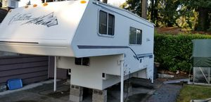 Citation Supreme 11 Foot Truck Camper for Sale in Des Moines, WA