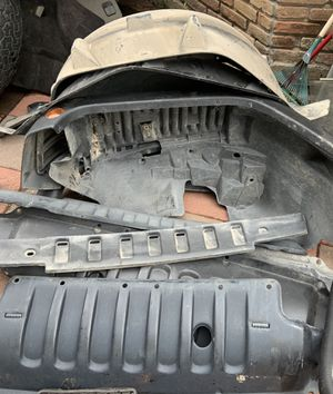 JEEP JK LEFT FRONT FENDER/RIGHT REAR FENDER, 3 inner fenders, other parts as shown. $100 for ALL. for Sale in Houston, TX