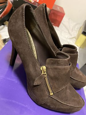 New Brown Suede Zippered Heels Size 8.5 for Sale in Dallas, TX