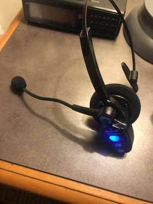 Blue parrot headset for Sale in Lakeland, FL