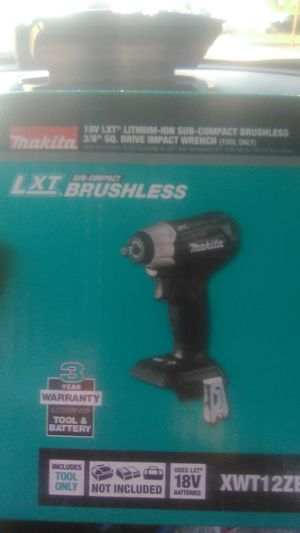 "Makita 18 volt sub compact 3/8"" impact wrench for Sale in Fresno, CA"