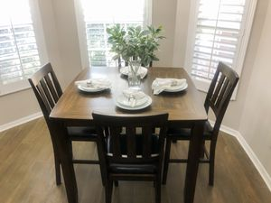 Dinning Room Set for Sale in Lutz, FL