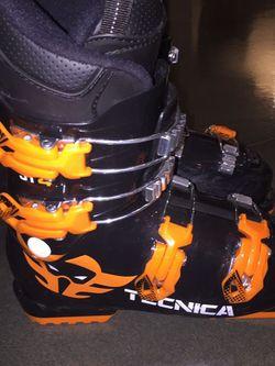 2019 TECNICA JT 4 SKI BOOTS for Sale in East Wenatchee,  WA