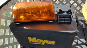 Amber Magnetic Beacon light & Windshield Light for Sale in Pepper Pike, OH