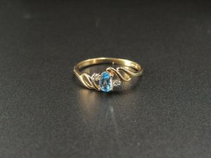 Size 7 10K Gold Blue Topaz & Diamond Band Ring Vintage Estate Wedding Engagement Anniversary Gift Idea Beautiful Elegant Unique Cute for Sale in Lynnwood, WA