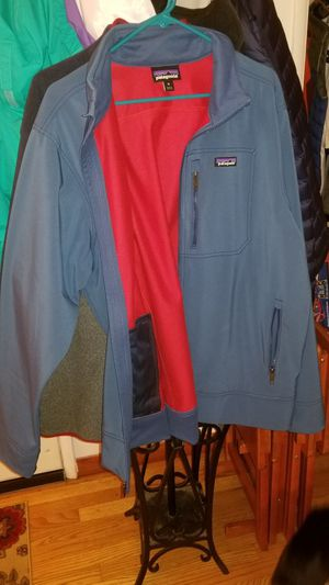 Patagonia mens jacket for Sale in Lynnwood, WA