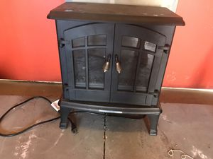 Electric fireplace stove heater for Sale in Dunedin, FL