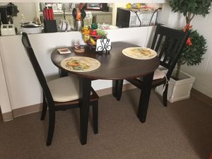 Kitchen table/2 chairs for Sale in Valrico, FL