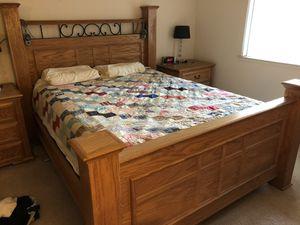 Queen size wood bedroom set for Sale in San Jose, CA