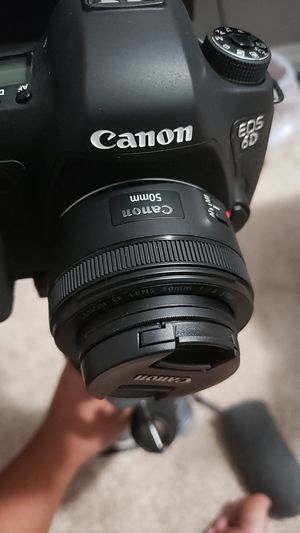 Canon 50mm 1.8 with 3 filters for Sale in Norwalk, CA