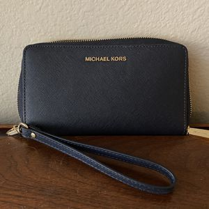 Michael Kors Phone Wristlet for Sale in Phoenix, AZ