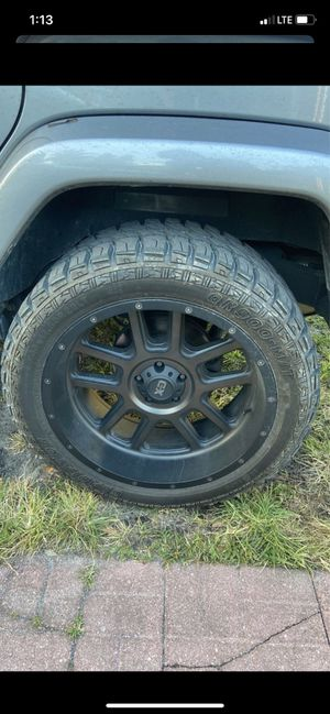 """Jeep 22"""" x 12"""" KMC rims and tires for Sale in Biscayne Park, FL"""