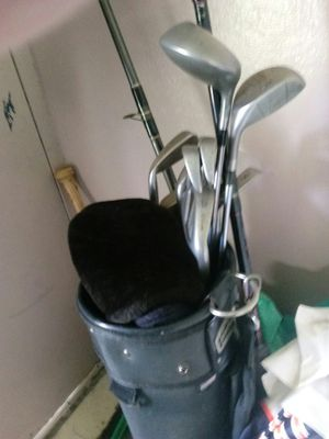 Wilson golf clubs & bag for Sale in Tampa, FL