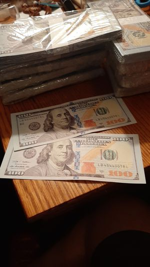 Very High Quality New Very Realistic Entertainment Prop Money. $10,000 Stack of $100 Prop Bills for Sale in Lemoore, CA