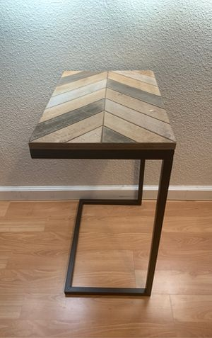 Rustic Side Table for Sale in Pleasant Hill, CA