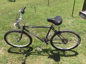 Diamond back mountain bike adult male for Sale in San Marcos, TX