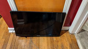 32 inch t.v. for Sale in Pittsburgh, PA