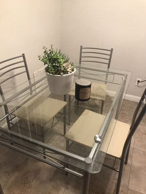 Dining table (chairs also available) for Sale in Ontario, CA