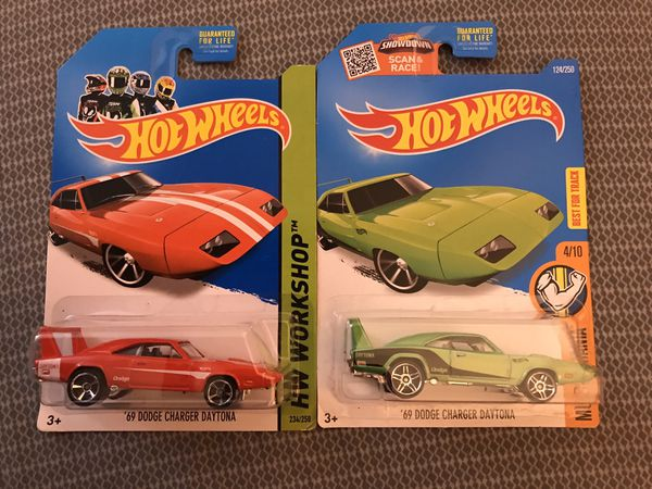 Hot Wheels Dodge Charger Daytona lot