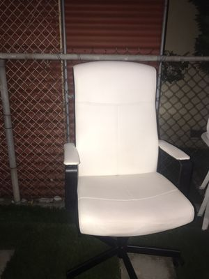 Office chair for Sale in Compton, CA