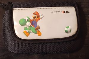 Rare Nintendo 3DS Mario carrying case for Sale in Fresno, CA