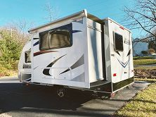 $1000 For sale 2017 Lance 1575 Towable Camper please contact her only at susanbowlin700@ ց ʍ ą ì ʟ . ç օ м for Sale in Laredo, TX