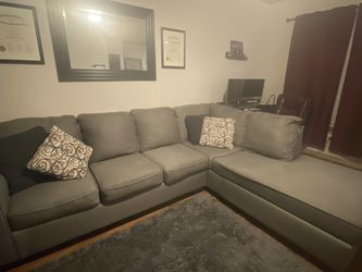 Grey section with chaise for Sale in Houston,  TX