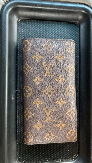 Louis Vuitton long wallet for Sale in Gilbert, SC
