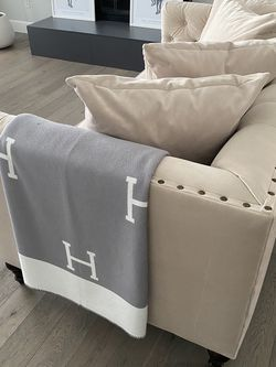 ZGallerie Roberto Collection Sofa & Love Seat Set for Sale in Gresham,  OR