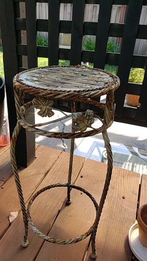 Plant stand for Sale in Vallejo, CA