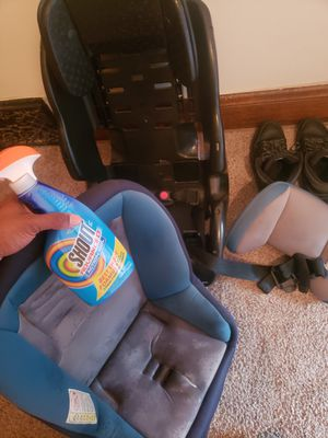 Car seat for Sale in Cleveland, OH