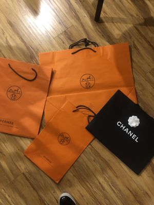 4 bags Chanel and Hermès and 1 Chanel box for Sale in Los Angeles, CA
