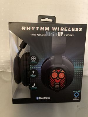 ⁃RHYTHM Bluetooth Wireless Headphones with Sound Activated Light-Up Owl Design for Sale in Los Angeles, CA