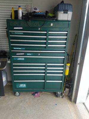 Rolling tool box full of tools 449.00 for Sale in Newark, OH