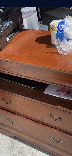 Free Dresser for Sale in Pico Rivera,  CA