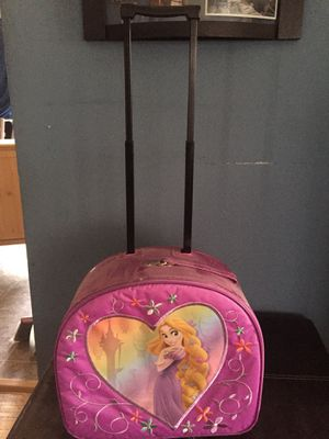 Kids rolling suitcase for Sale in Waterford Township, MI